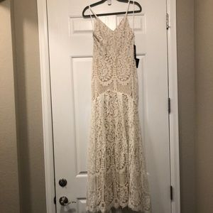 LULUS white lace dress with gorgeous train